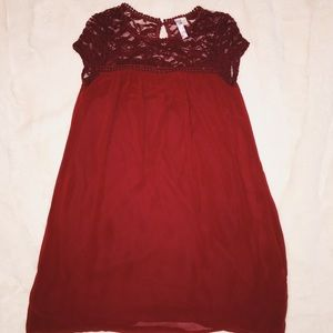 Dark red dress, lace details